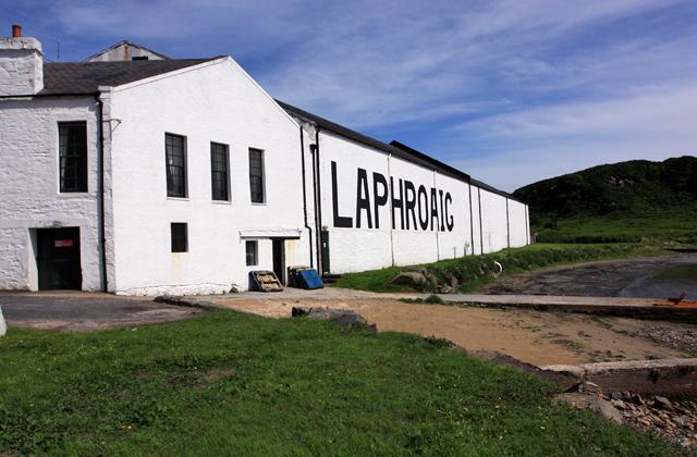 Laphroaig_Distillery