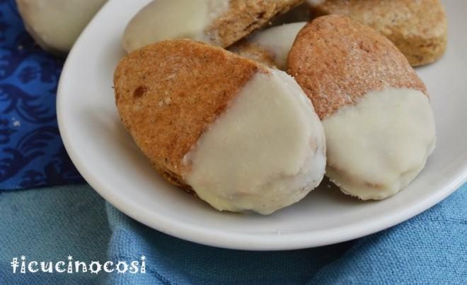 Biscotti alla birra con zucchero muscovado, grano saraceno e cioccolato bianco.